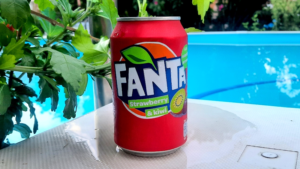 Fanta Strawberry & Kiwi